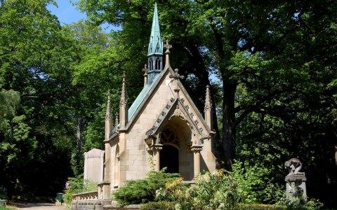 Nordfriedhof: Bis zur Reformation begruben die Wiesbadener ihre Toten um die Mauritiuskirche. Danach… ©2017 Rainer Niebergall