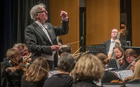 Symbolfoto: Seit 20 Jahren eröffnen die Musiker des Sinfonieorchesters Villingen- Schwenningen das musikalische Jahr im Mozart Saal der Donauhallen. ©2017 Heinz Bunse / Flickr / BY SA 2.0