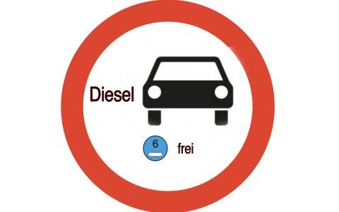 Wenn das Dieselfahrverbot kommt, könnte ein Verbotsschild so aussehen. @2018 Volker Watschounek
