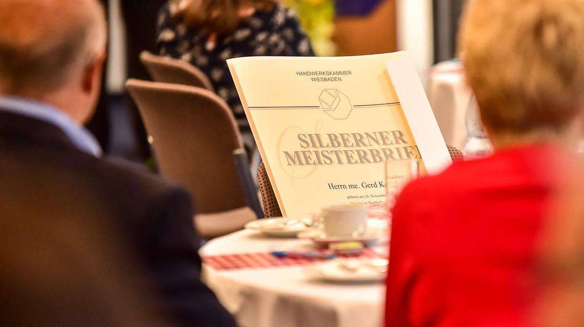 Silberne und Goldene Meisterbriefe für Handwerksmeister. ©2018 Volker Watschounek