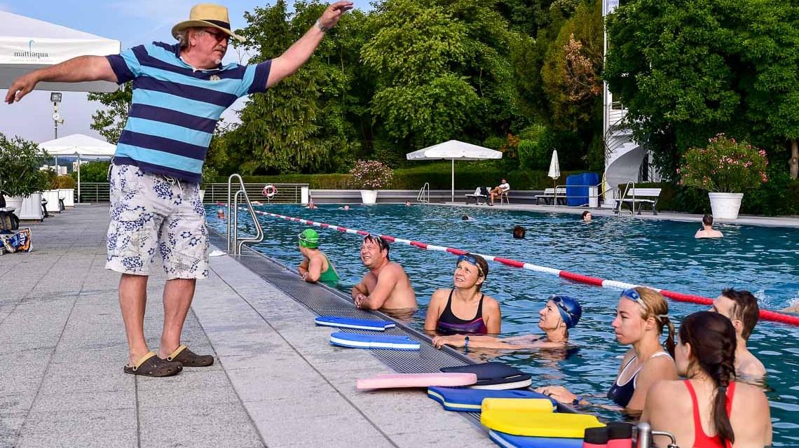 Von Meistern Schwimmen im Opelbad lernen