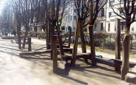 Spielplatz in der Adolsallee, wieder in der Kritik
