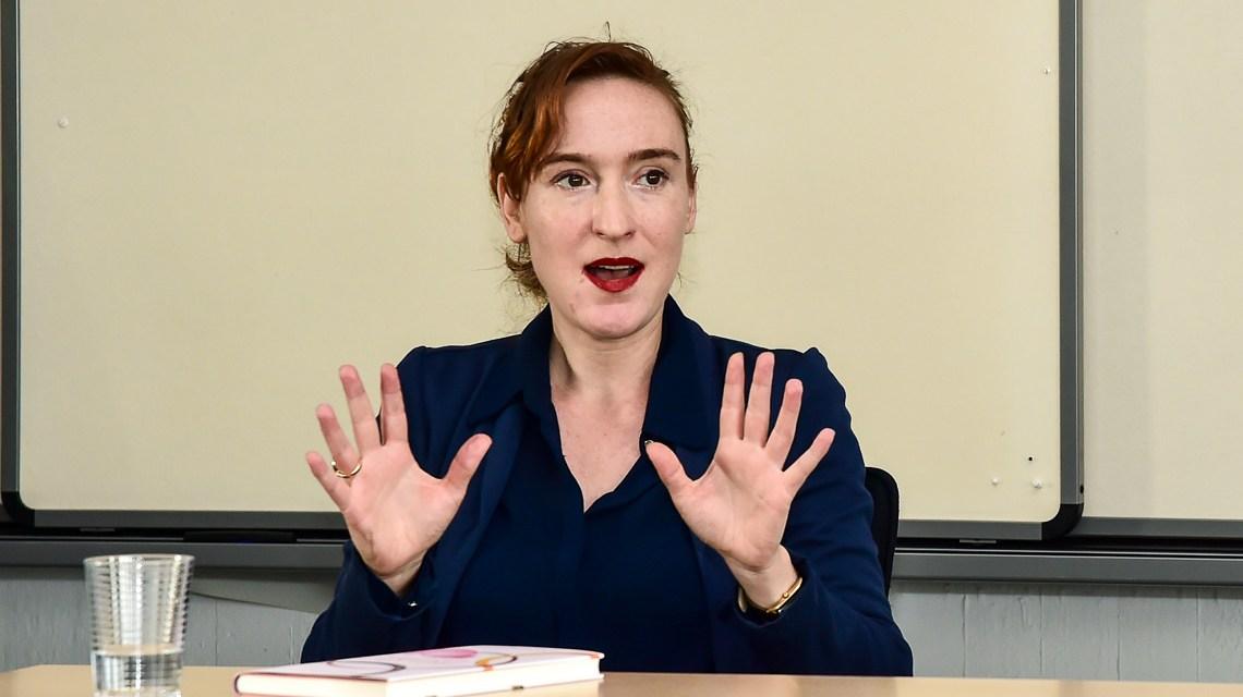 "Nora Bossong: ""Echtheit, was soll's, bin ich Schriftstellerin oder Kriegsreporterin?"" Volker Watschounek"