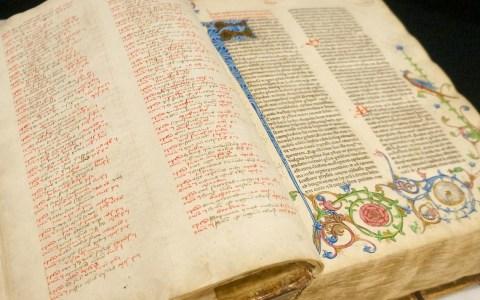Biblia Latina, Strassburg : Heinrich Eggestein, nicht nach 24. Mai 1466, zu sehen in der Stadtbibliothek Chemnitz. ©2018 Flickr / Stadtbibliothe Chemnitz   CC BY 2.0