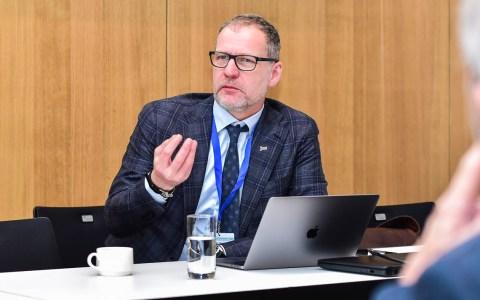 """Wirbelsäulenkongress im Ziechen von """"Moderne Wirbelsäulentherapie zwischen Qualität, Ethik und Kommerz"""" ©2018 Volker Watschounek"""