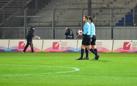3. Liga | 19. Spieltag | SV Wehen Wiesbaden - KFC Uerdingen | 0:2 ©2018 Volker Watschounek