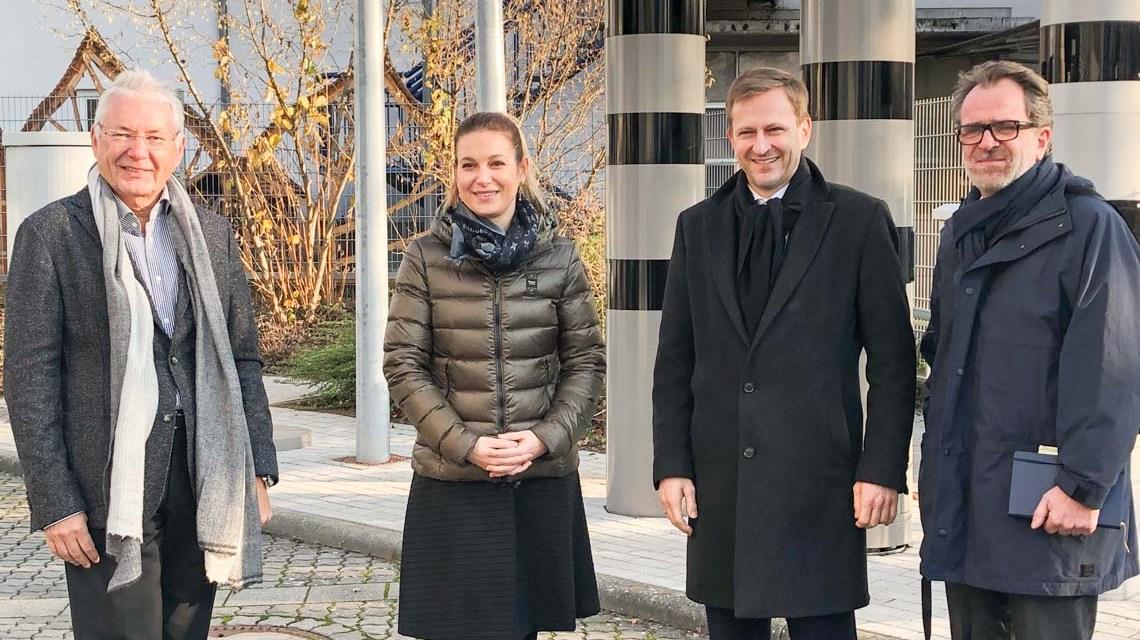Wirtschaftsdezernent Dr. Oliver Franz zu Gast bei Vitronic. @Stadt Wiesbaden