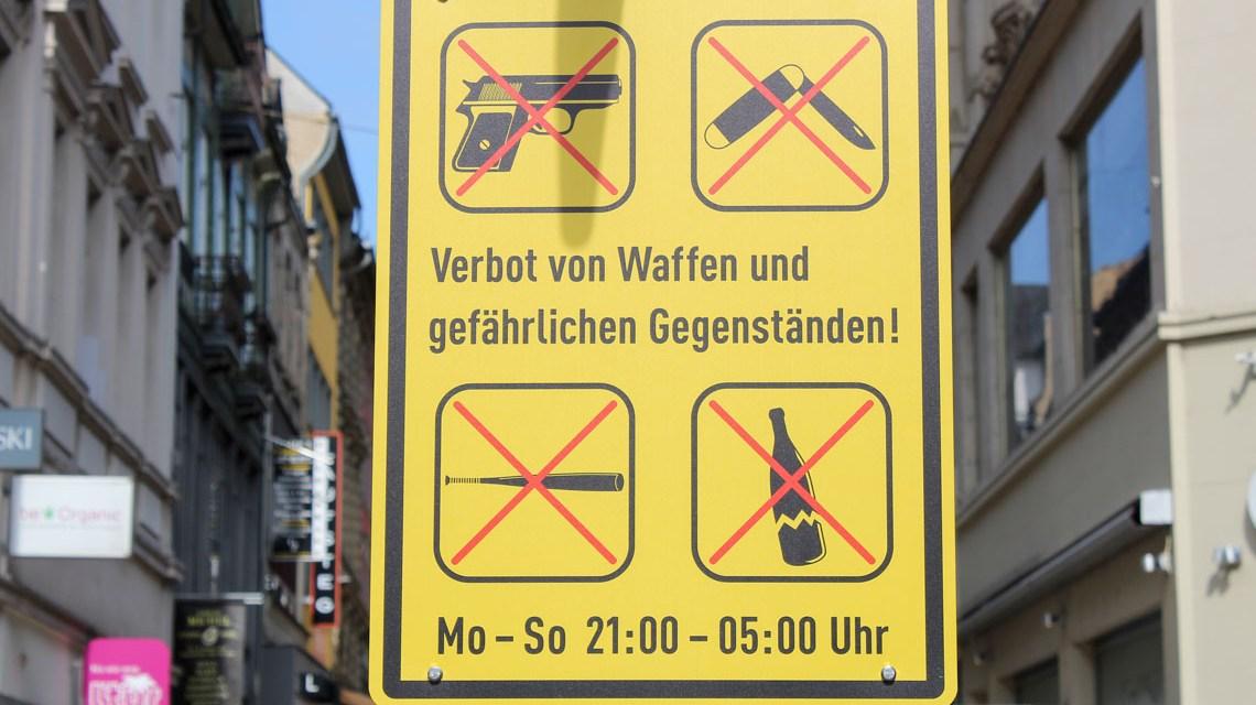 Waffenverbootszione in Wiesbaden. ©2019 Volker Watschounek
