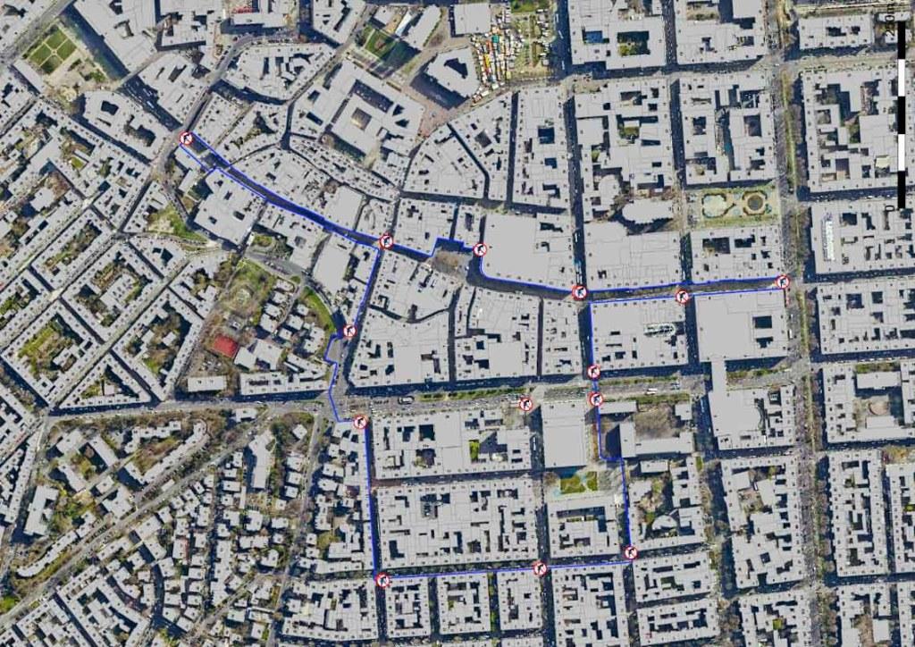 Hinwseisschilder, die die Innenstadt als Waffenverbotszone ausweisen finden sich an verschiedenen Orte. ©2019 Stadt Wiesbadenr