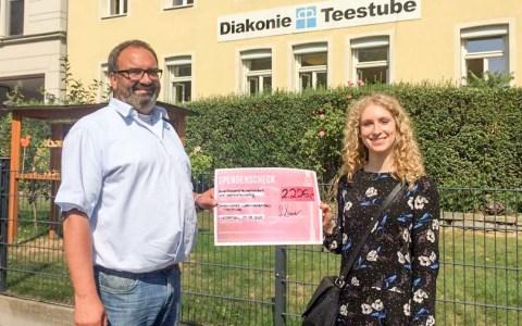 Am 27. August hat das Diakonische Werk Teestube Wiesbaden 2.226 € vom AStA der Hochschule RheinMain erhalten, welche anteilig aus Eintrittsgeldern der studentisch organisierten Events generiert wurden