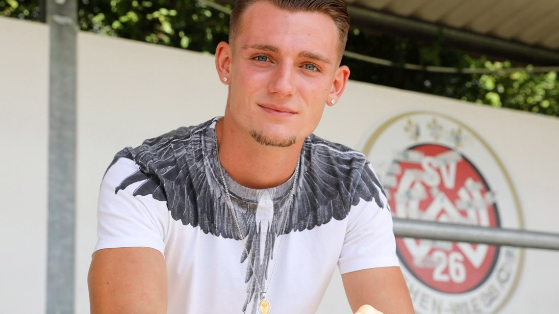 Verstärkung fu?r die Offensive des SV Wehen Wiesbaden: Die Rot-Schwarzen haben Törles Knöll vom 1. FC Nu?rnberg ausgeliehen. ©2019 Volker Watschounek