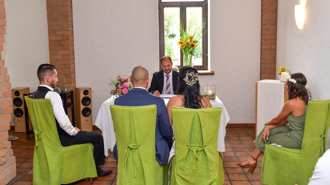 Im Kaminzimmer des Gästehauses der Domäne Mechtildshausen sind jetzt auch Trauungen möglich.