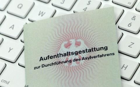 Ausländerbehörde, Aufenthaltsgestattung ©2019 Tim Reckmann / Flickr / CC BY 2.0