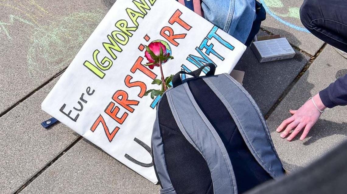Archivbild: Fridays for Future erstmals mit Lehrerinnen und Lehrern, Treff: Hauptbahnhofa
