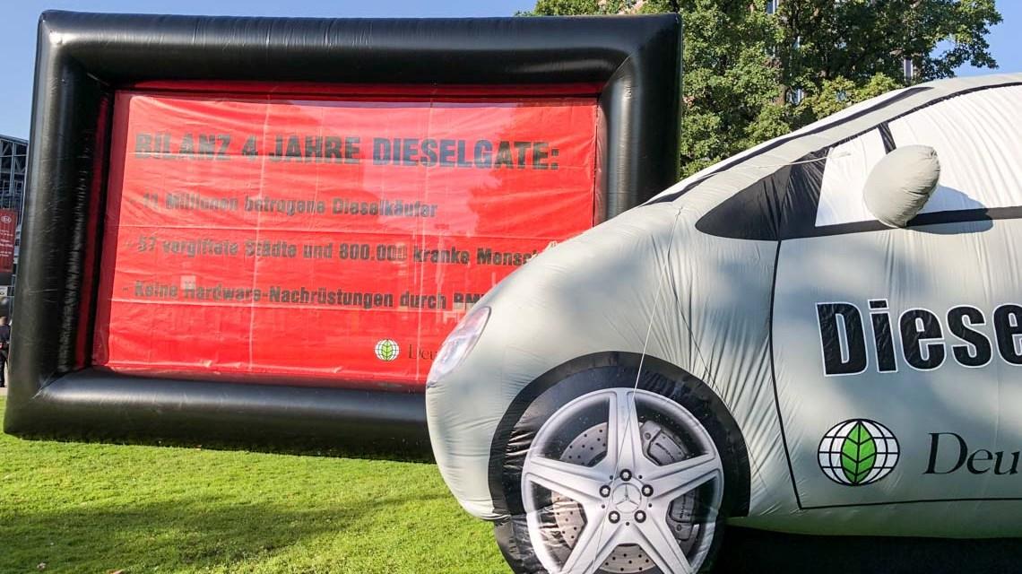 Die Deutsche Umwelthilfe demonstriert vor der IAA 2019 und fordert ein Ende vom Betrug