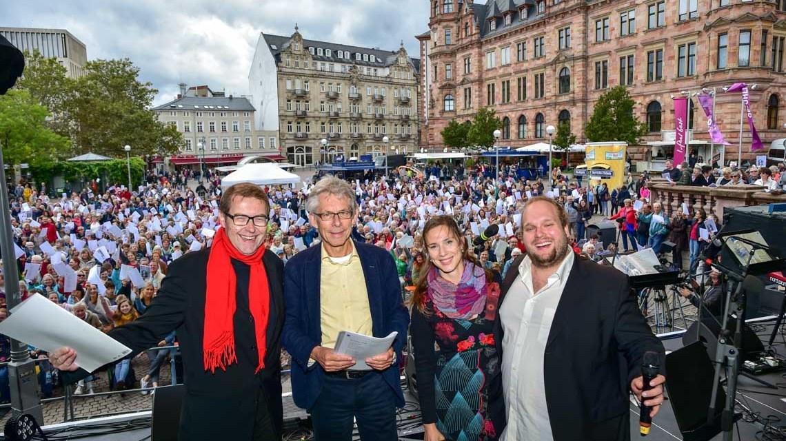 Wiesbaden singt! auch im Regen