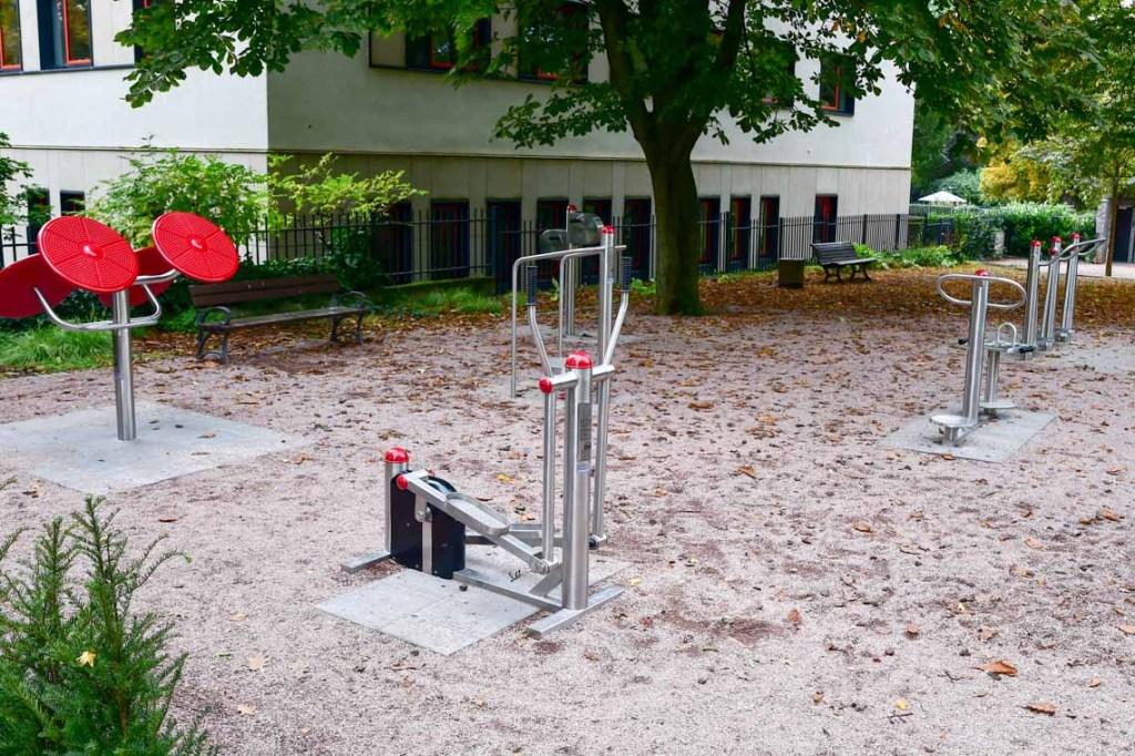 Fitnessgeräte ma Warmen Damm @2019 Volker Watschounek