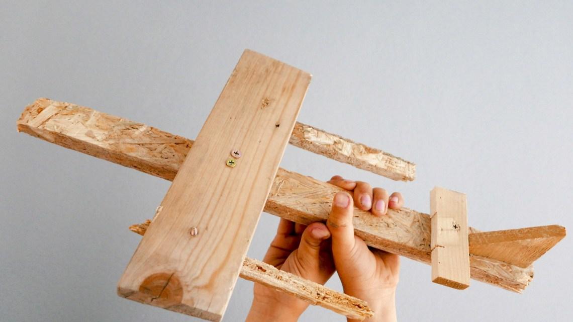 Handarbeit, Werken - Ein Flugzeiug entsteht. ©2019 Dieter Schmidt | Flickr | BY SA 2.0