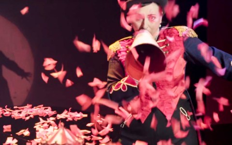 Evi Niessner singt Edith Piaf