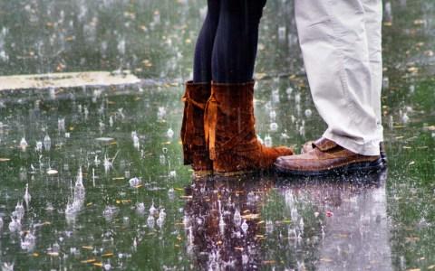 Im Regen stehen von Peter Freitag / pixelio.de