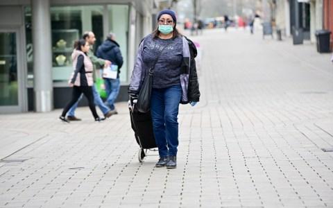 Mundschutz tragen in Wiesbaden