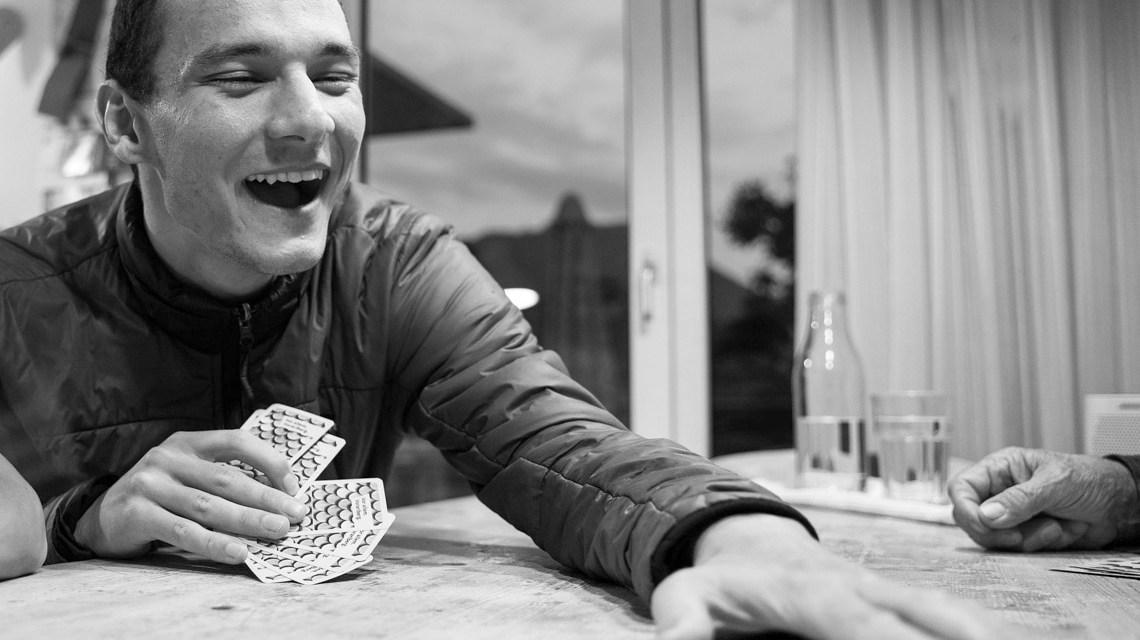 Karten spielen Pixabay / Gerry spm