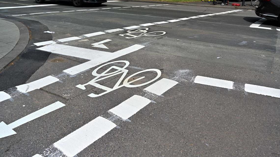 Verkehrsbehinderungen durch Markierungsarbeiten