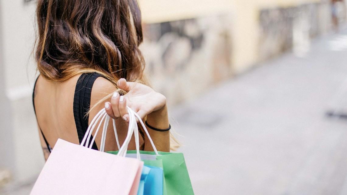 Shopping ©2020 Bild von gonghuimin468 auf Pixabay