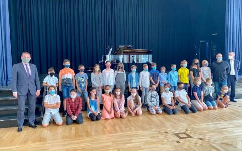 Fünftklässler der Elly-Heuss-Schule starten gemeinsam mit Kultusminister Lorz ins neue Schuljahr