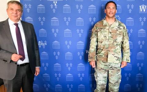 Gert-Uwe Mende und Col. Mario Washington