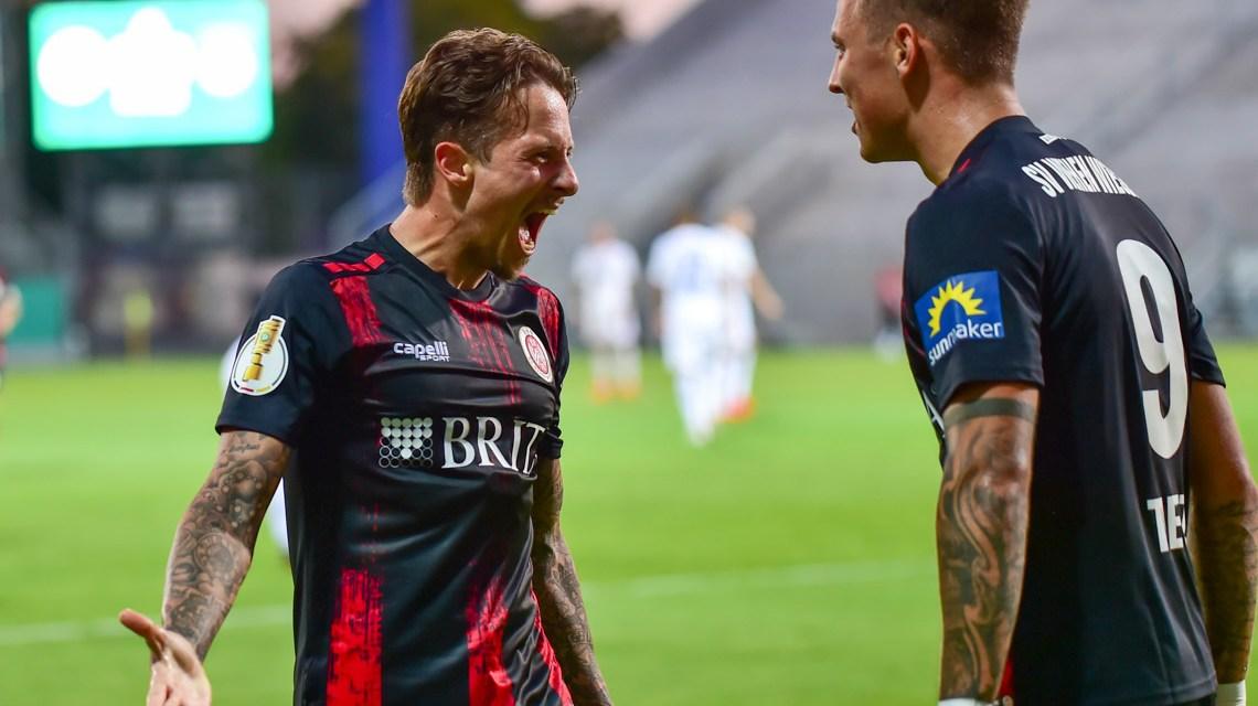 Mit dem Treffer zum 1:0 sichert Phillip Tietz dem SV Wehen Wiesbaden den Einzug in die 2. Hauotrunde des DFB Pokal.