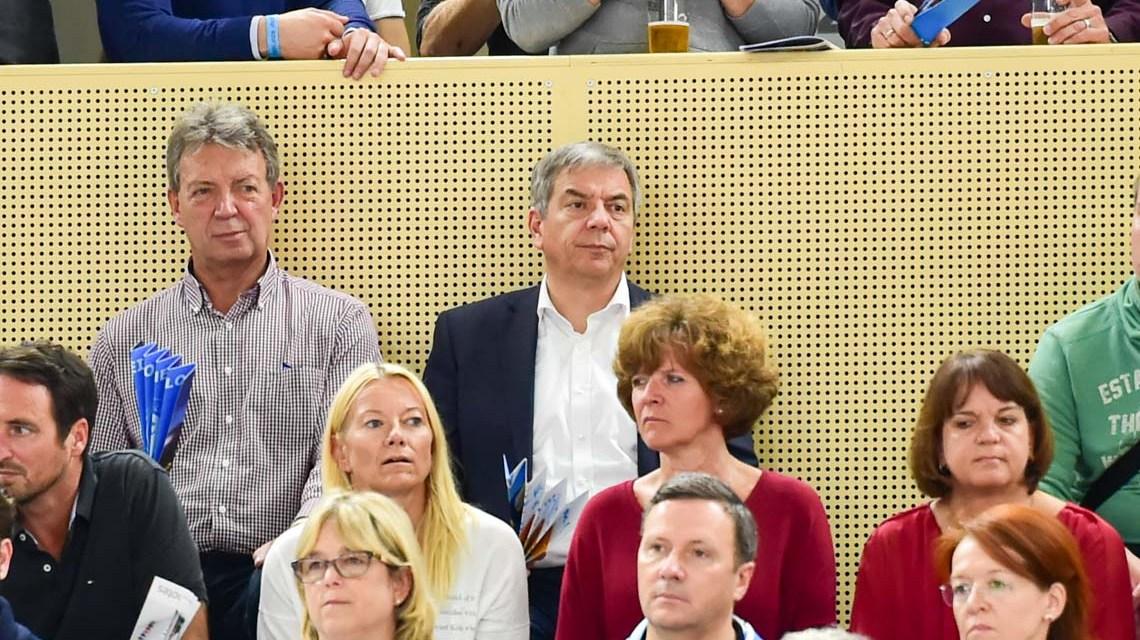 Gert-Uwe Mende in der Sporthalle am Platz der Deutschen Einheit