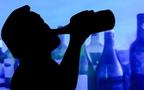Alkohol verlaufen... ©2020 Gerd Altmann auf Pixabay