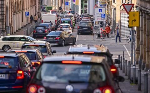 Coulinstraße wegen Bauarbeiten gesperrt - möglichst im Berufsv