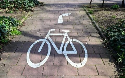 Fahrradweg, Piktogramm in den Reisinger Anlagen