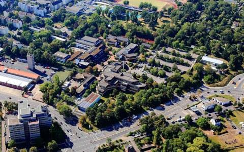 Campus Kurt-Schumacher-Ring in Wiesbaden. © Peter Sondermann
