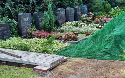 Maximal 25 Trauergäste bei Trauerfeiern