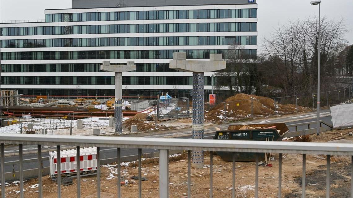 Fußgängerbrücke Berliner Straße befindest sich im Bau.