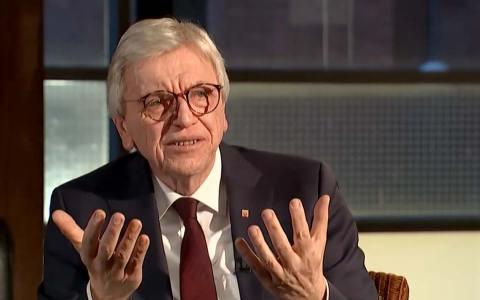 Ministerpraesident Volker Bouffier, mit Stufenplan zurück