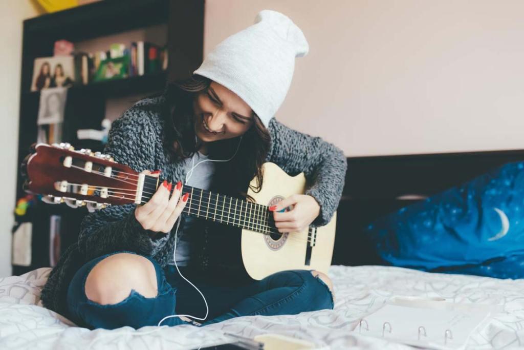 Gitarre lernen | stock adobe com | Eugenio_Marongui