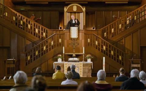Pfingstgottesdienst: Nach Weihnachten und Ostern ist Pfingsten das dritte große Fest im christlichen Kirchenjahr.