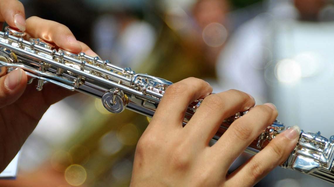 Querflöte spielen von Karl Allen Lugmayer auf Pixabay