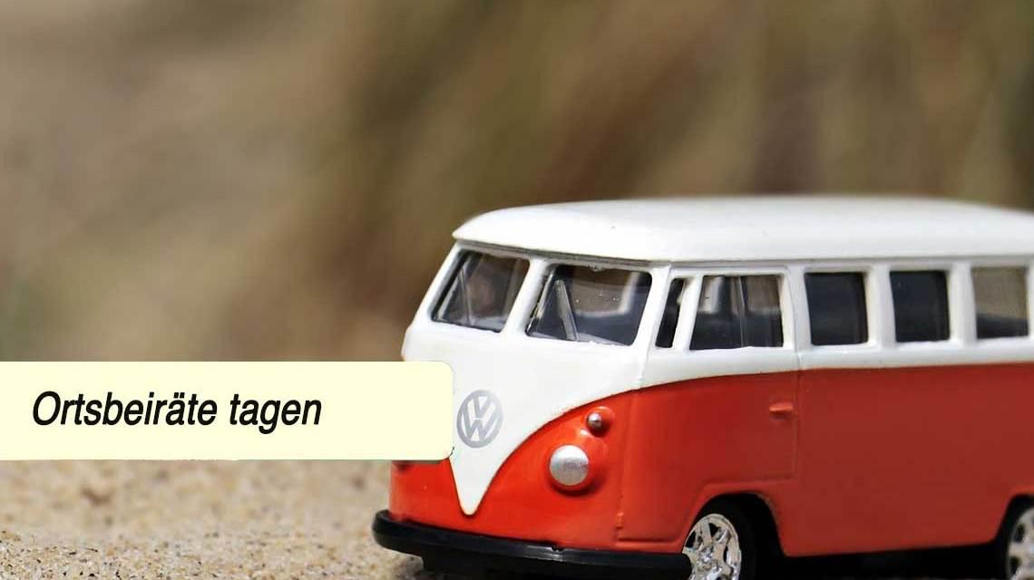 Spielzeug VW B us symbolisiert Shuttle-on-Demand-Service