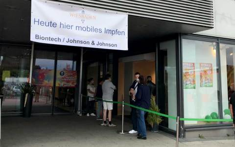 Corona-Impfung: Sonderimpfaktion im Äppelallee-Center Wiesbaden