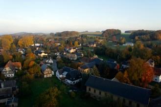 Blick von oben zur Lochbergaussicht