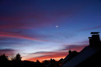 Morgens kurz vor Sonnenaufgang in Schönbach