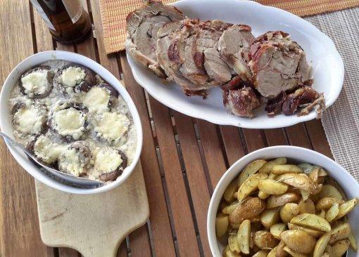 Wickelbraten mit fermentierten Pfeffer im Holzbackofen gebacken