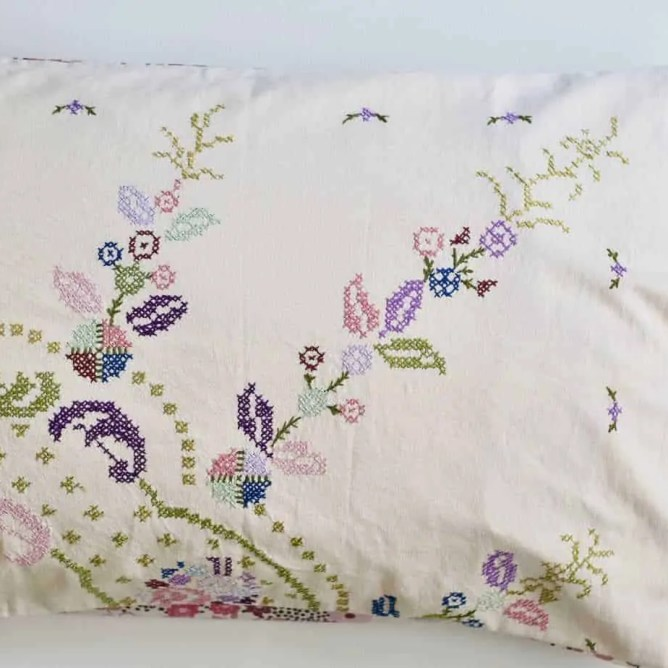 Wife-made vintage pillowslip in mauve
