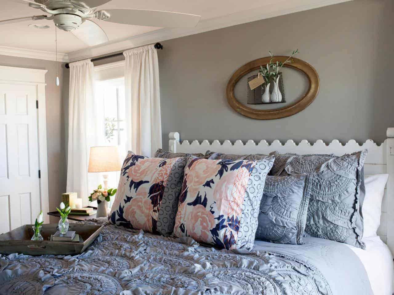 Joanna Gaines Fixer Upper Style Recreate Her Bedroom