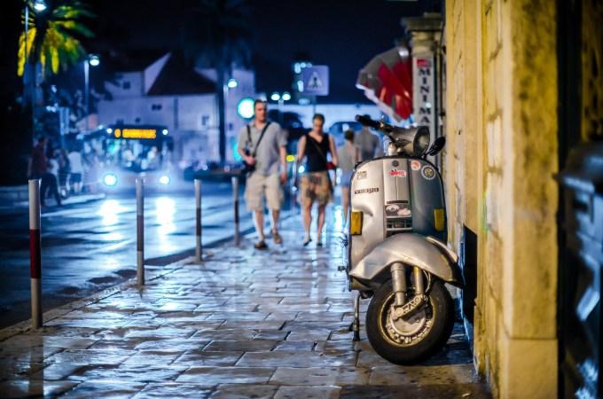 Wil je je vakantieland echt goed ontdekken? Huur een scooter!